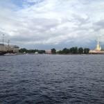 cathédrale pierre et paul et bateau