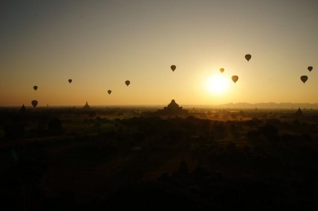 bagan mongolfieres lever soleil