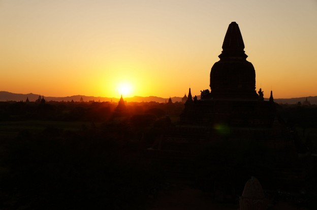 bagan temple couché soleil 2