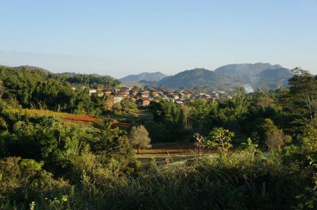 trek inle village